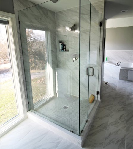 bathroom showroom by AMAZING BATHROOMS