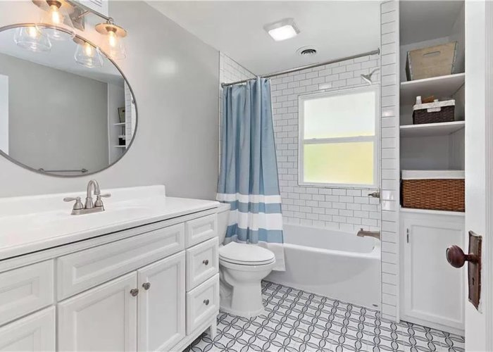 Turley Hallway Bathroom Remodel